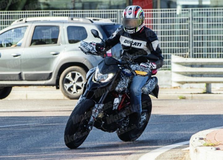 2019 Ducati Hypermotard Spy pics