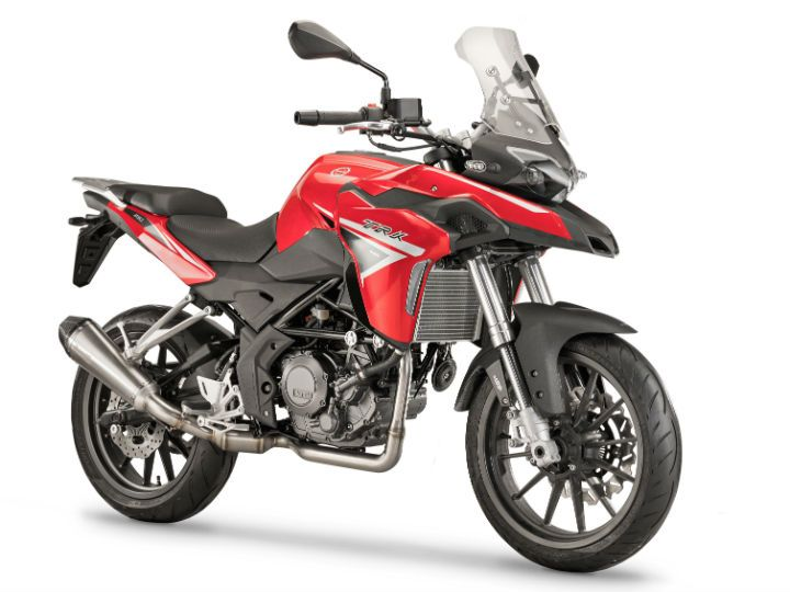 Benelli TRK  251 press front angle