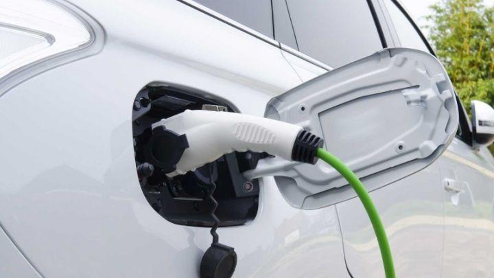 EV plug