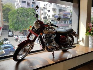 Jawa India Opens First Bike Showroom In Pune