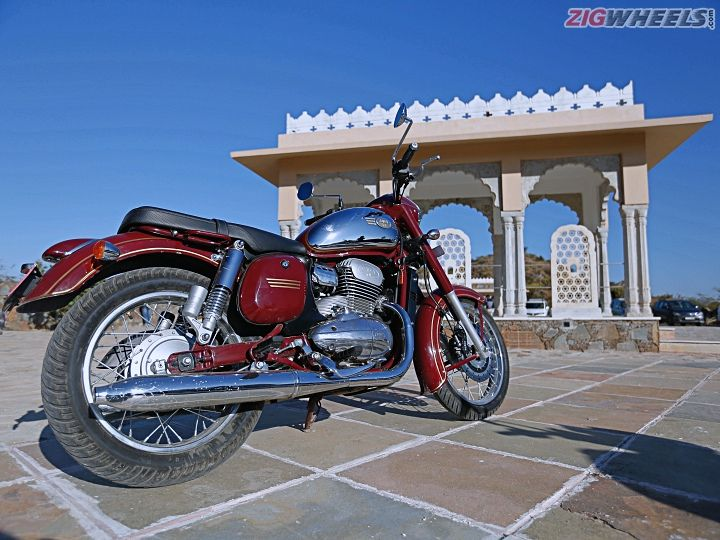 Jawa And Jawa 42 First Ride Review - ZigWheels
