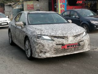 2019 Toyota Camry Spied Testing In India