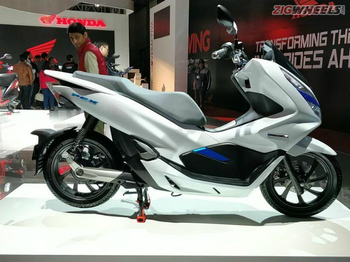 honda pcx electric scooter showcased at auto expo 2018 zigwheels. Black Bedroom Furniture Sets. Home Design Ideas