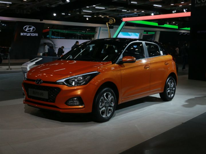 hyundai elite i20 facelift in pictures at the auto expo 2018 zigwheels. Black Bedroom Furniture Sets. Home Design Ideas