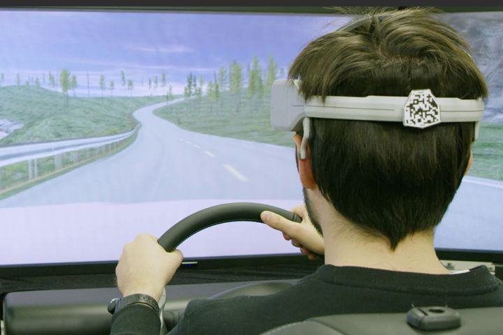 Nissan to Show Brain-Monitoring Driving Tech
