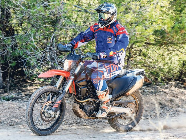 0c7bd051480 KTM 690 Supermoto And Enduro Spied Testing - ZigWheels
