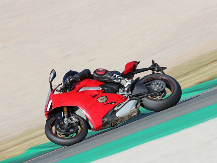 How To Roll On The Throttle Smoothly On A Ducati