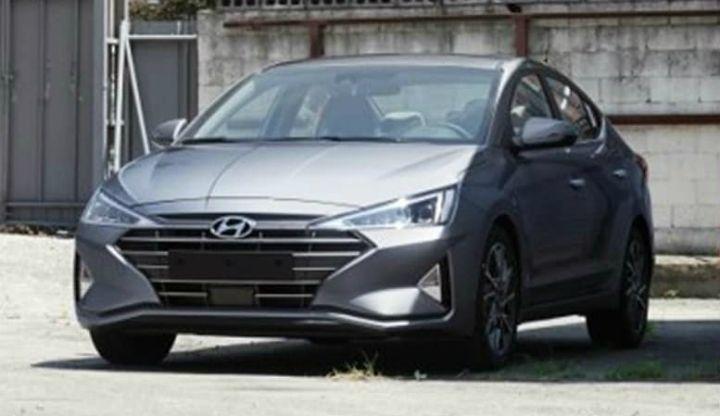 Hyundai Elantra Facelift Spied Again