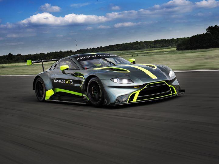 aston martin gt3 and gt4: rich boy race cars debut - zigwheels