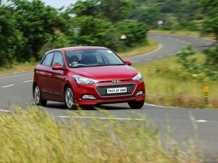 Pre-facelift Hyundai Elite i20 Gets Android Auto Update - ZigWheels
