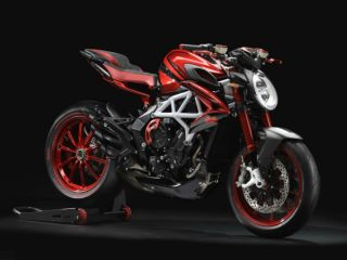 MV Agusta Brutale 800 LH44 Edition Is Lewis Hamilton's Style On Two Wheels