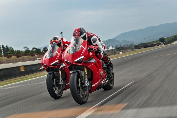 Ducati Panigale V4 R Vs 2019 Aprilia Rsv4 Vs Mv Agusta F4 Claudio