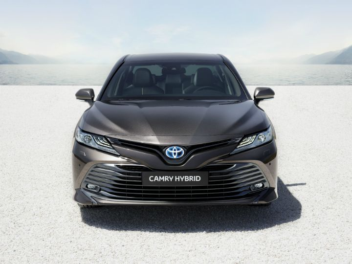 2019 Toyota Camry Spied Testing In India Zigwheels