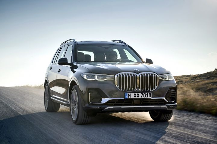 BMW X7 Unveiled, India Launch Likely In 2019 - ZigWheels