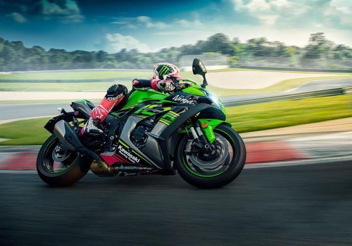 2019 Kawasaki Ninja ZX 10R KRT action shot