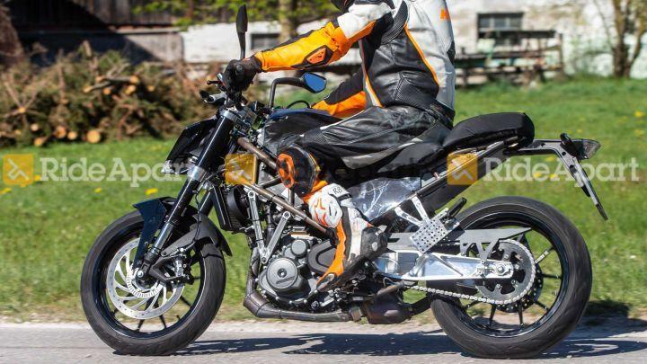 2020 KTM 390 Duke Spotted Testing - ZigWheels