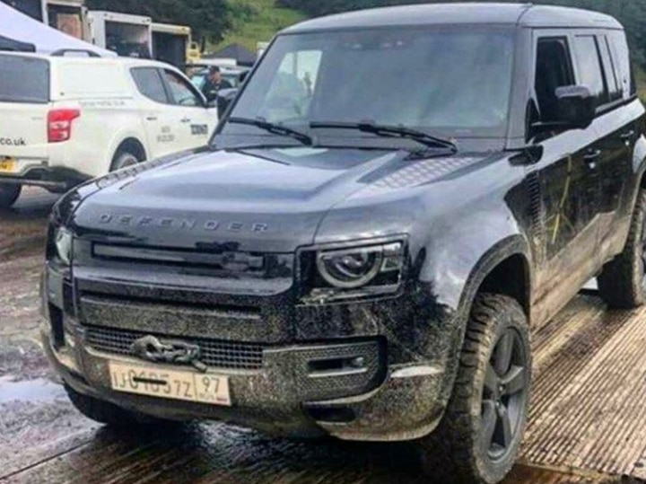 2020 Land Rover Defender: News, Design, Release, Price >> 2020 Land Rover Defender Leaked Without Camouflage Zigwheels