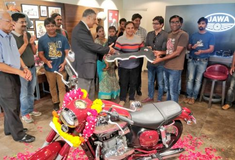 First Jawa Bike Delivered in India