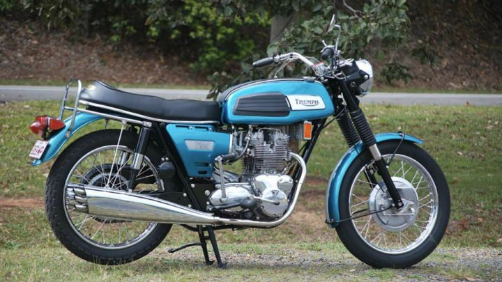 Triumph Might Bring Back The Trident - ZigWheels