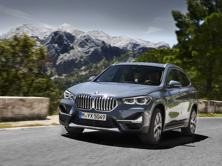 2021 BMW X1 Price, Interior, Redesign, And Specs >> Bmw Unveils Facelifted X1 Debuts Hybrid Powertrain Zigwheels