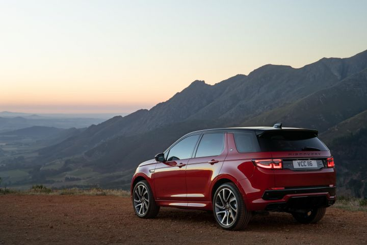 2020 Land Rover Discovery Is Built On The New Architecture >> 2020 Land Rover Discovery Sport Makes Global Debut Zigwheels