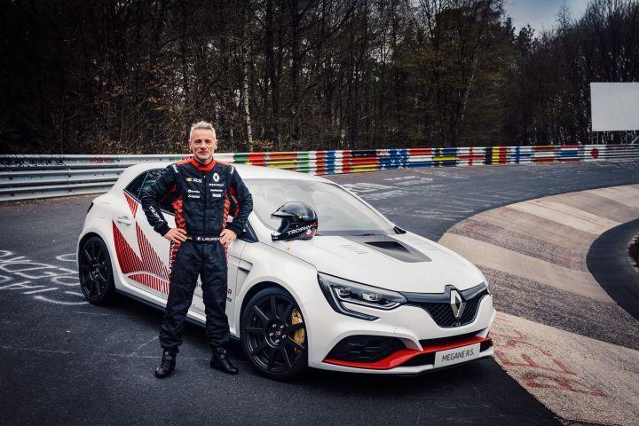 Renault Megane R.S. Trophy-R Crowned The New FWD Nurburgring King