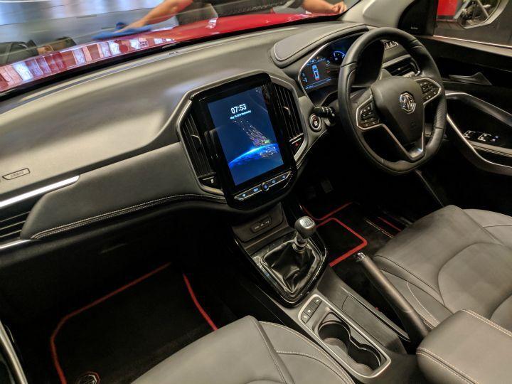 ZW-Mg-Hector-BS6-interior