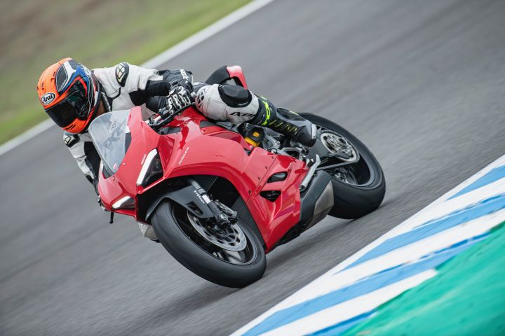 Ducati Panigale V2 First Ride Review