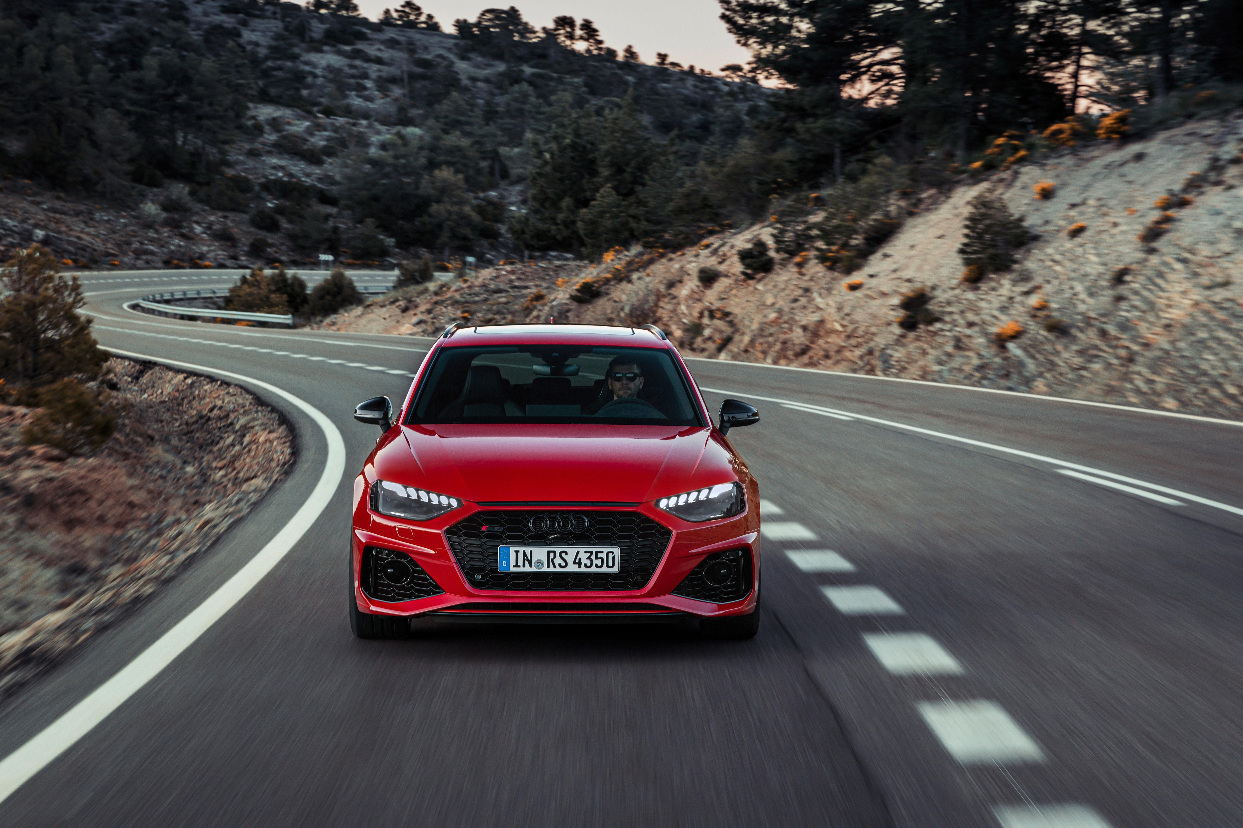 2020 Audi RS4 Avant Unveiled - ZigWheels