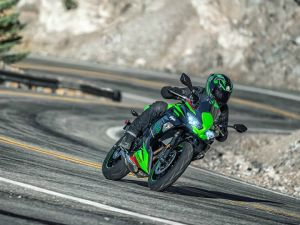 2020 Kawasaki Ninja 650: What's Different? - ZigWheels.com thumbnail
