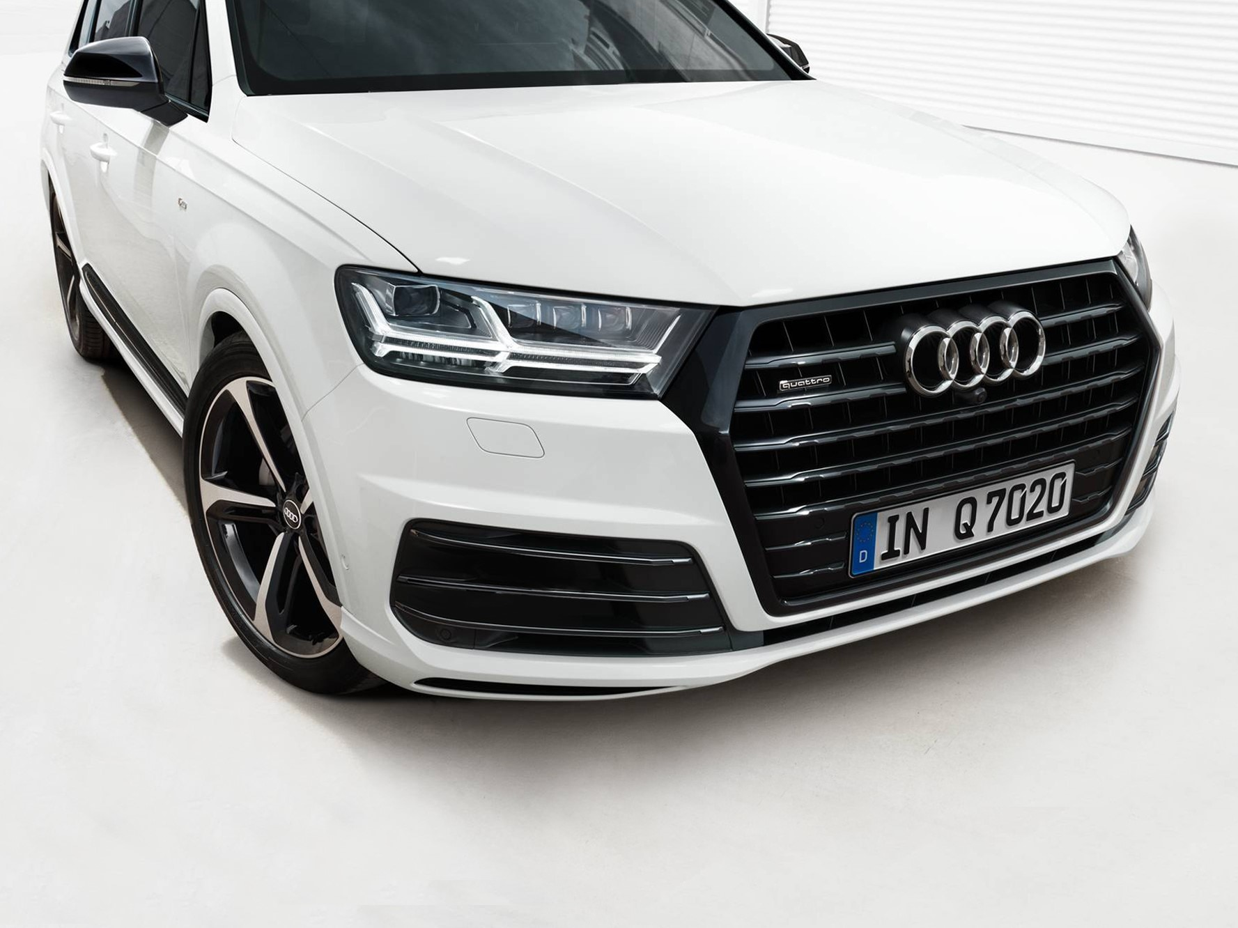 Audi Q7 Black Edition Launched In India At Rs 82 15 Lakh Zigwheels