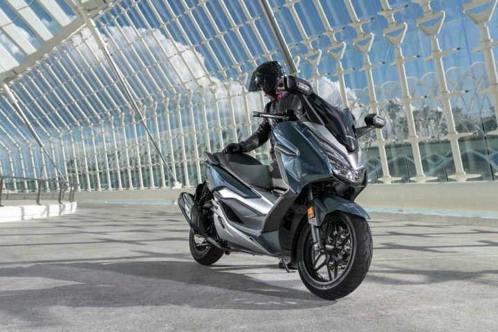 Honda Forza 300 Image Gallery