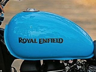 Is This The Bajaj-Triumph Rivalling Royal Enfield Roadster?