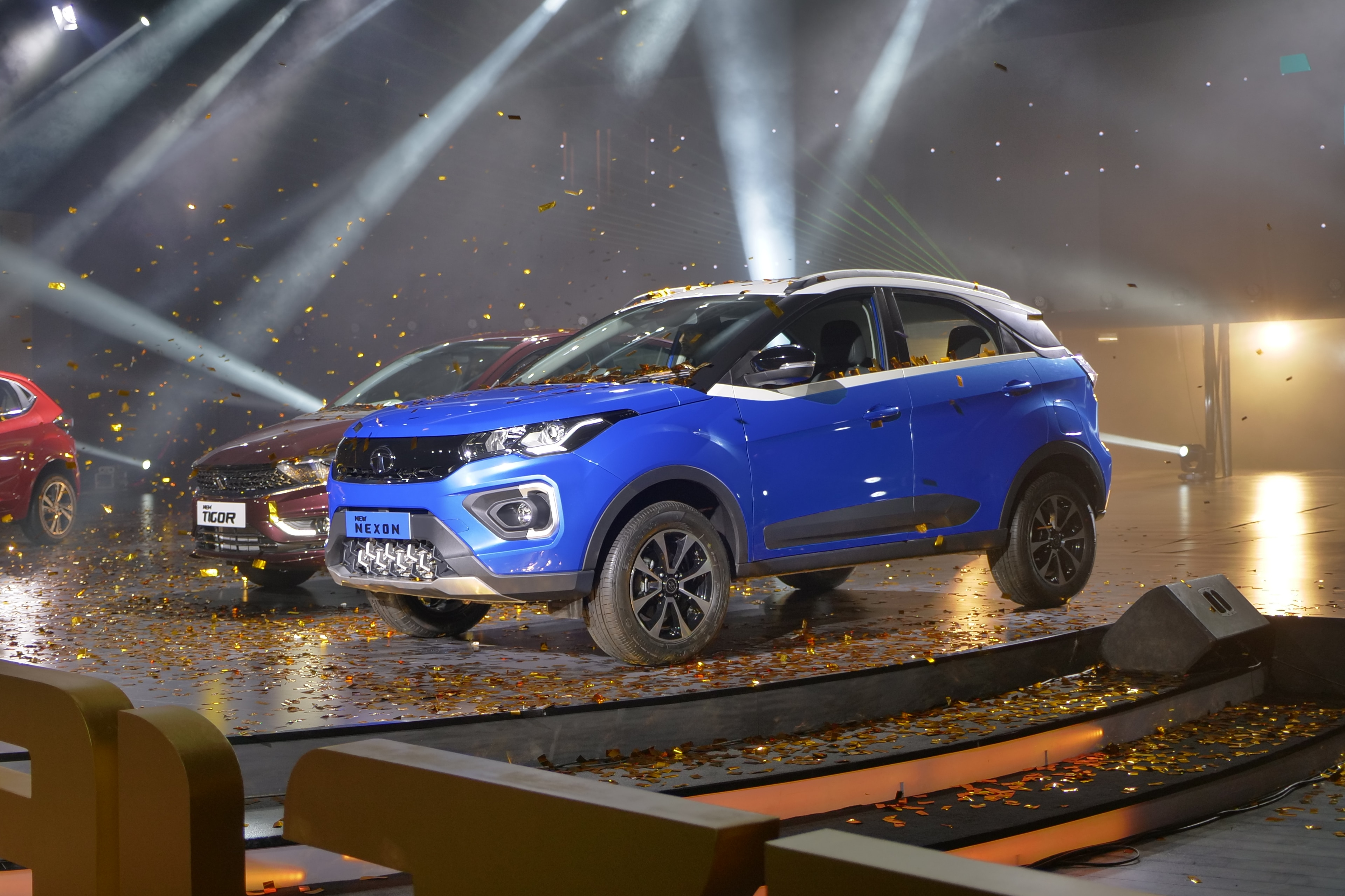 2020 Tata Nexon Facelift Bs6 Compact Suv Launched What S