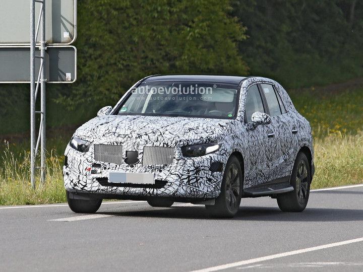 ZW-2022-Mercedes-Benz-GLC-1