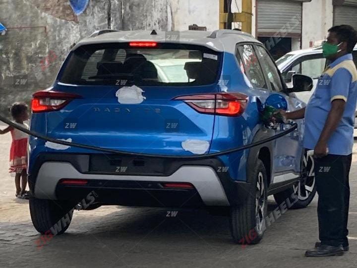 Upcoming Nissan Magnite Spied Undisguised Reveals Rear End Alloy Wheels Design Zigwheels