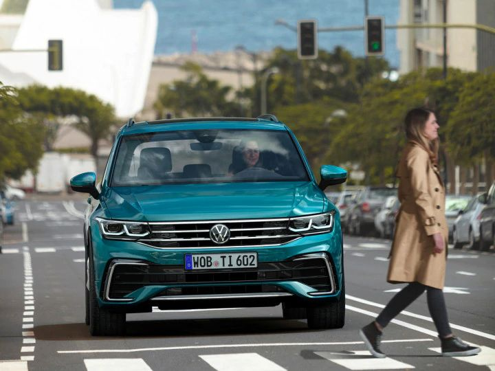 2021 Volkswagen Tiguan Facelift Spotted Testing In India ...