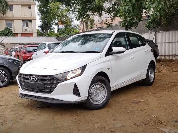 ZW-Hyundai-i20-Era-1