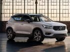 Volvo-XC40-Front-Cross-Side-View