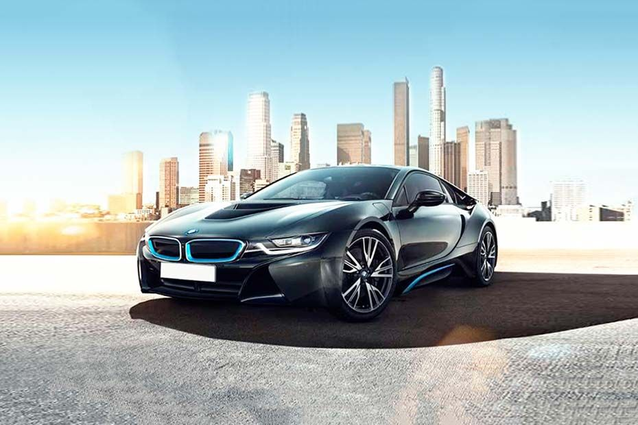 Front 1/4 left Image of i8