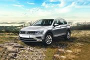 Front 1/4 left Image of Tiguan