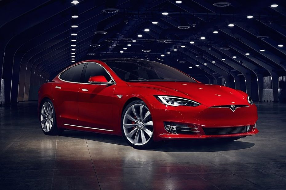 Front 1/4 left Image of Model S