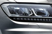 Headlamp Image of Tiguan