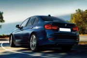 Rear 3/4 left Image of 3 Series