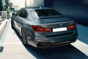 Rear 3/4 left Image of 5 Series