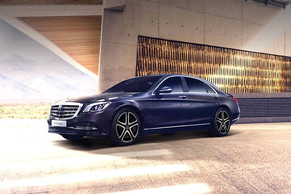 Front 1/4 left Image of S-Class