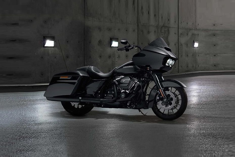 Front Right View of Road Glide Special