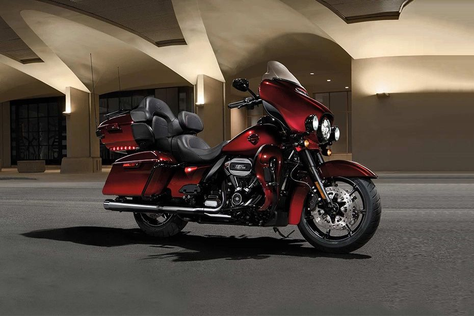 Front Right View of CVO Limited