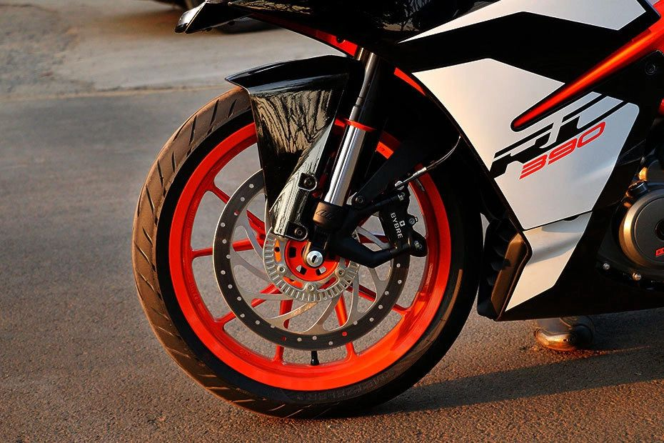 Front Tyre View of RC 390