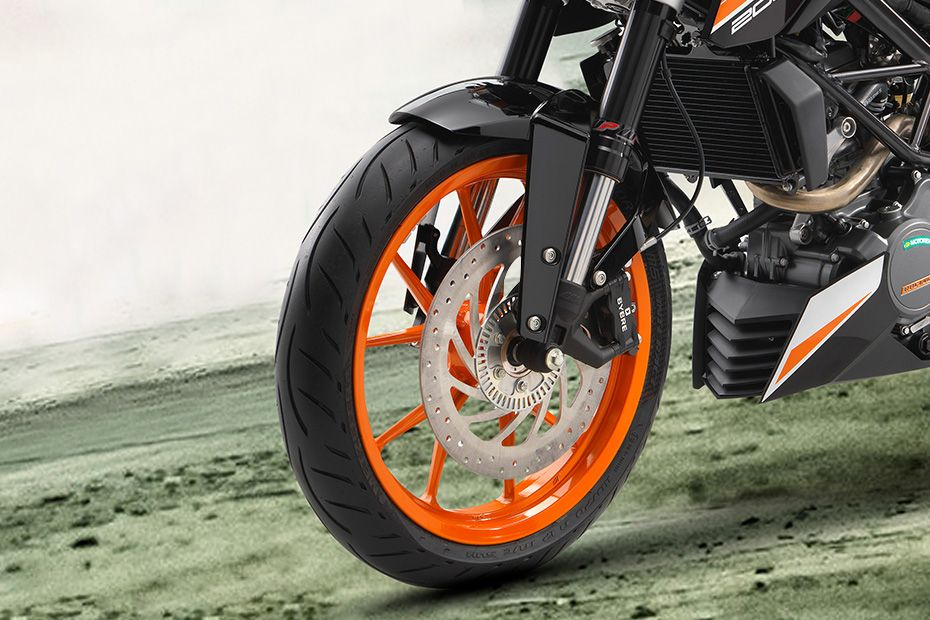 Front Tyre View of 200 Duke